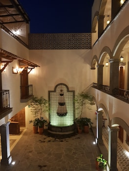 Foto van Hotel Puerta San Pedro in Tlaquepaque