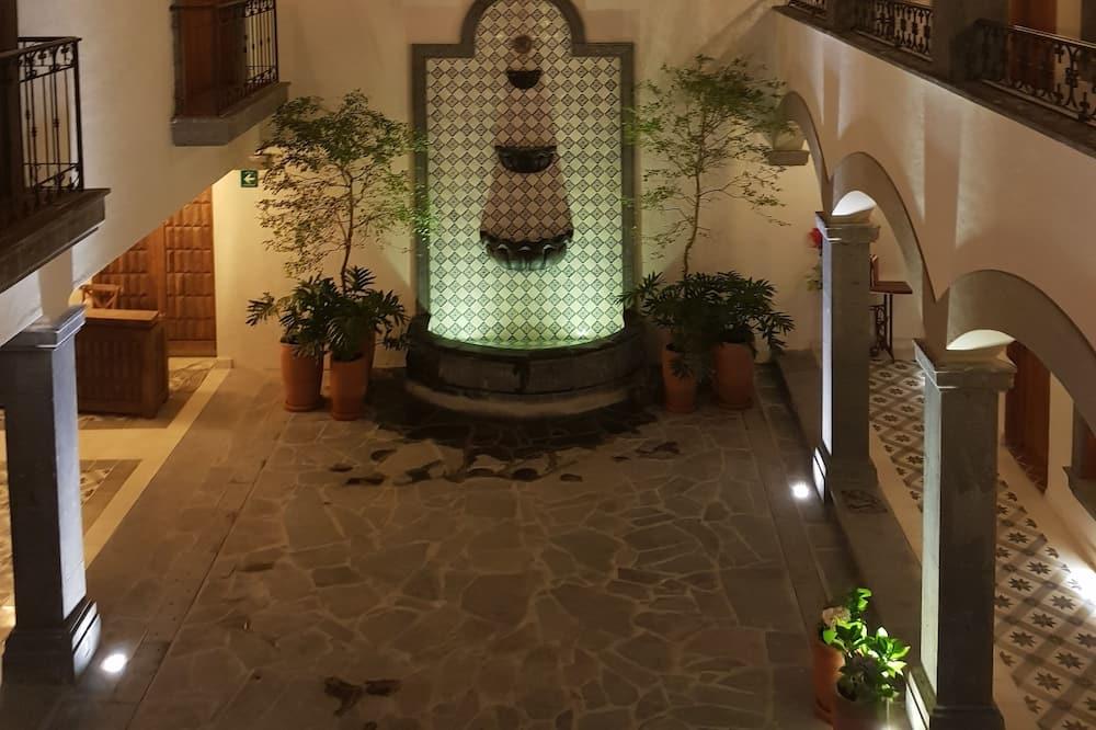 Hotel Puerta San Pedro