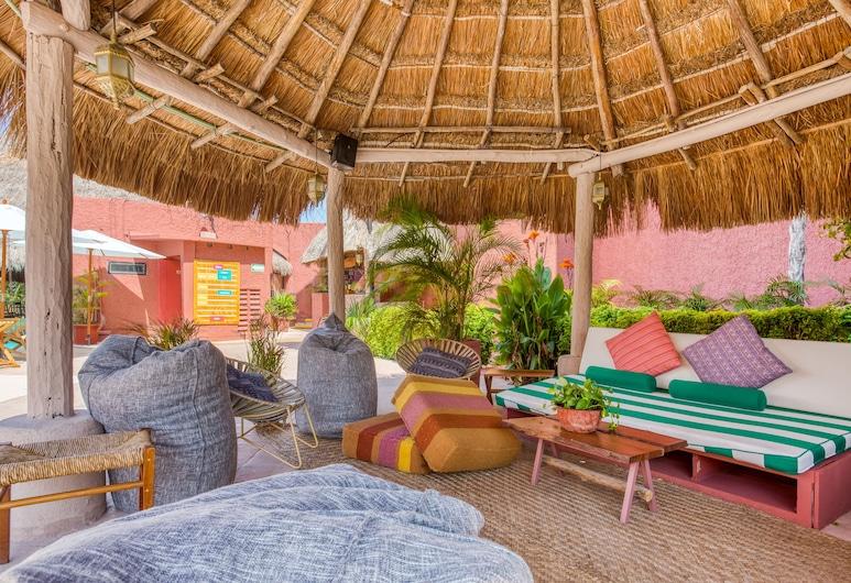 Selina Cancun Laguna Hotel Zone, Cancún, Terrasse/Patio