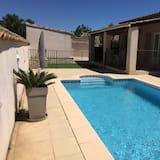 House swimming pool air conditioning & garden, Avignon