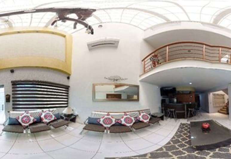 Hotel y Casa D Miros, Guadalajara, Hotel Entrance