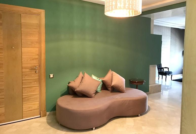 卡薩布蘭卡 3 房陽台公寓飯店 - 離海灘 7 公里, 卡薩布蘭加, 客廳