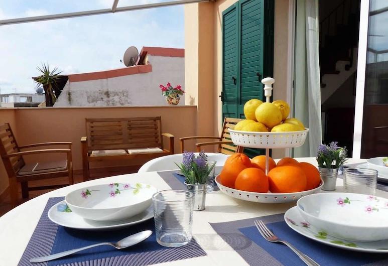 Casa Maiolica - Near Piazza Duca degli Abruzzi, Ragusa, Departamento, terraza, Terraza o patio
