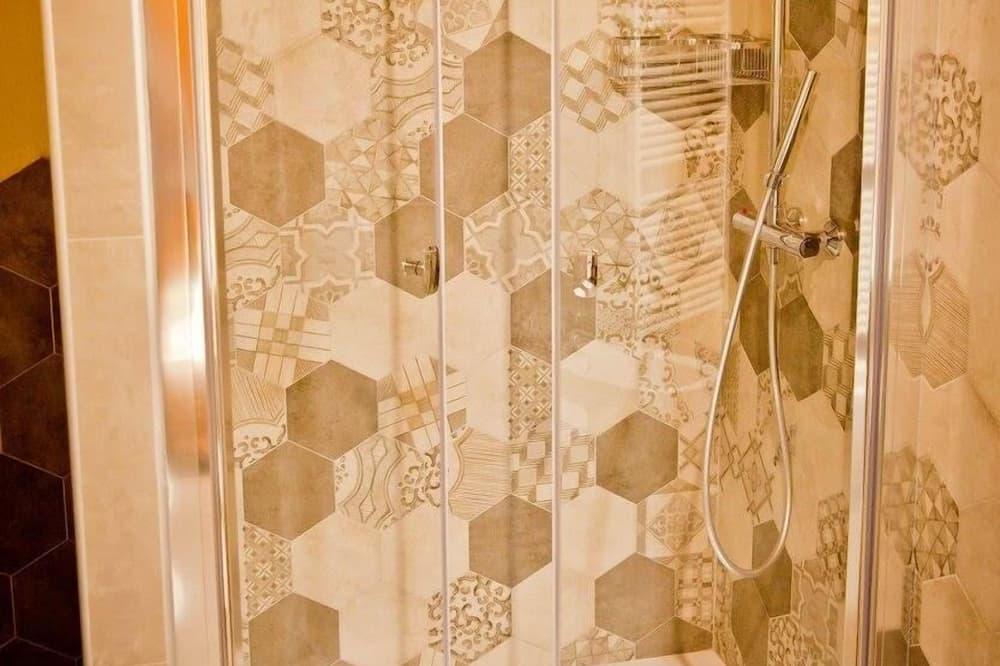 Triple Room (Mia) - Bathroom Shower