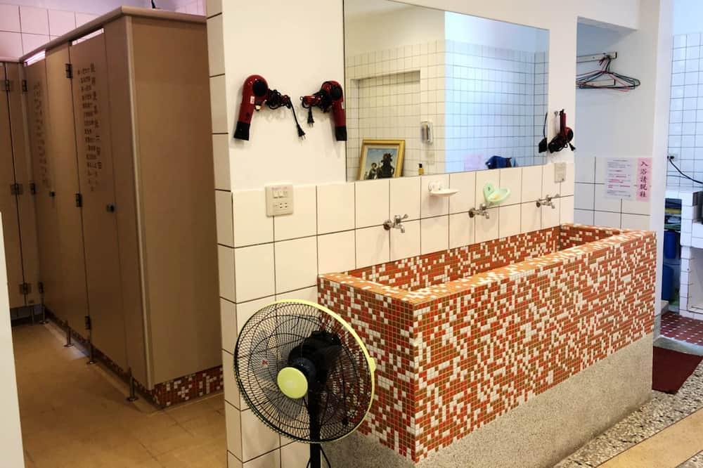 Četrvietīgs numurs, koplietojuma vannasistaba - Vannasistaba