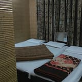 Triple Room, Multiple Beds, Non Smoking - Guest Room