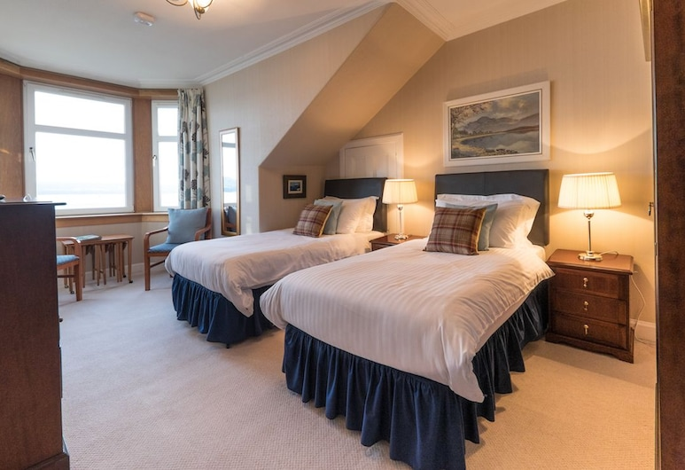 Cedars Guest House, Dunoon, En Suite Double or Twin Room, Sea View (Shower/tub combination), Guest Room