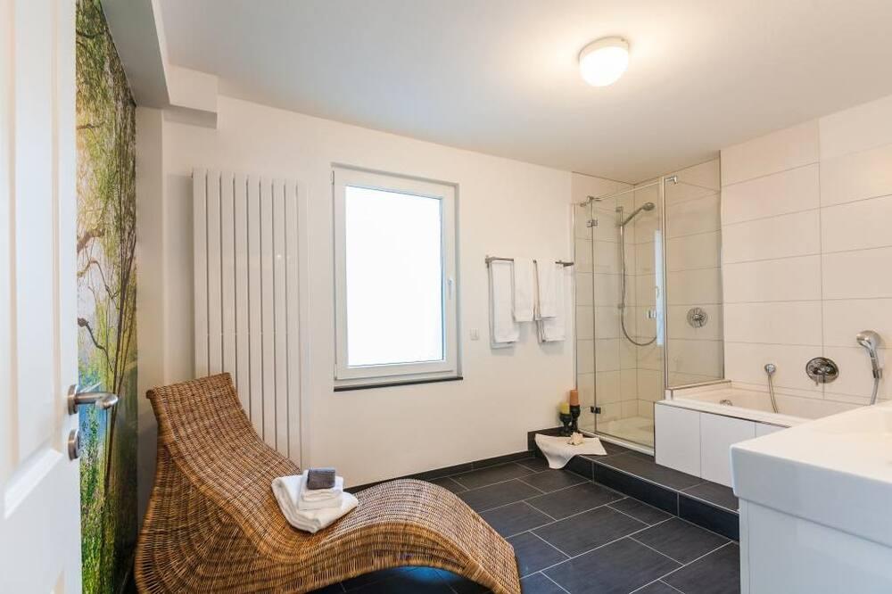 Deluxe-Doppelzimmer (Bleibtreusee) - Badezimmer