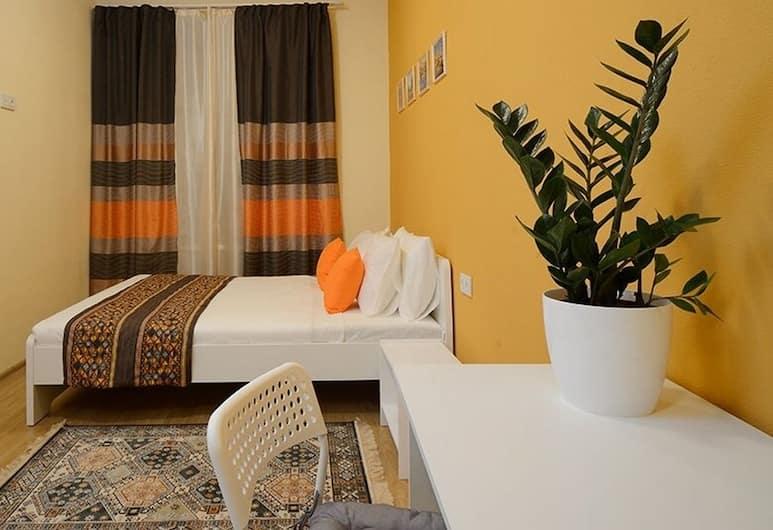 Apelsin on Sretenskiy Boulevard, Moscow, Economy Double Room, Shared Bathroom, Guest Room