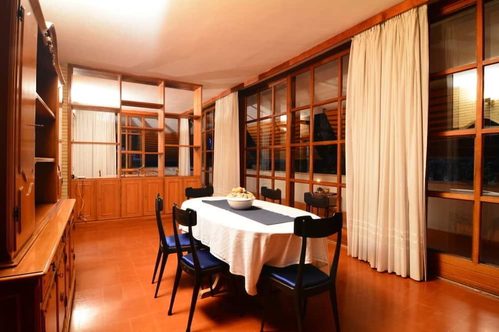 Exclusive Villa - Living Room