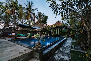 Picture of D and B Bungalow in Lembongan Island
