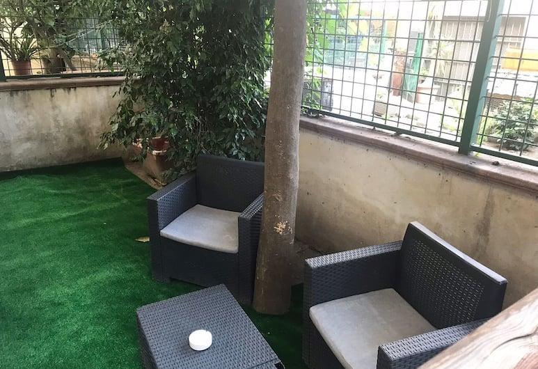 Napoli Short, Napoli, Terrasse/veranda