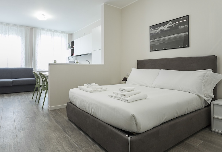 Italianway   - Cadorna 10 - B, Milan, Studio, Room