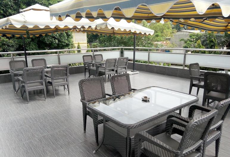 Hotel Amaritsah, Brazavilis, Terasa / vidinis kiemas