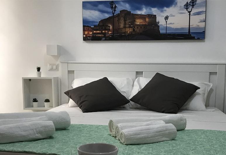 Mellos B&B, Naples, Comfort Double Room, Guest Room