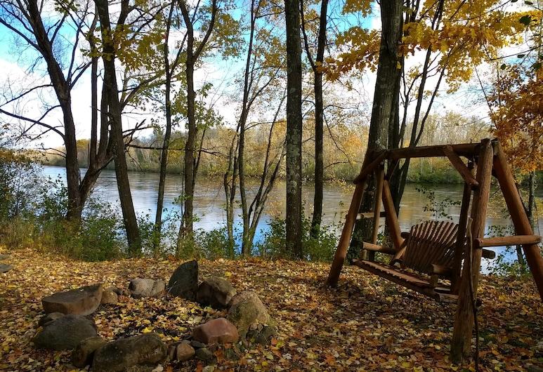 Peaceful Cabin on the Flambeau River, Ladysmith, Otel Sahası