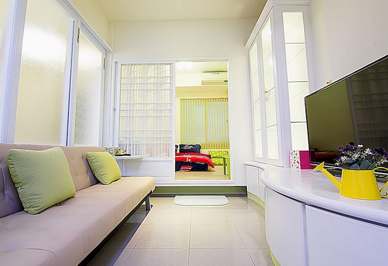 Garden House- Tainan Station, Tainan, Superior Quadruple Room, Multiple Beds, Non Smoking, Guest Room