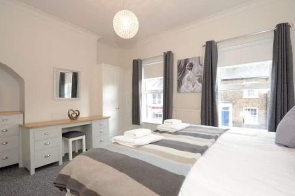 Holgate Premier Apartment - Room