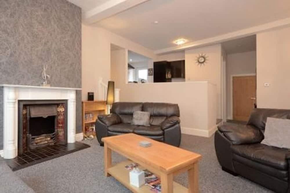 Holgate Premier Apartment - Living Room