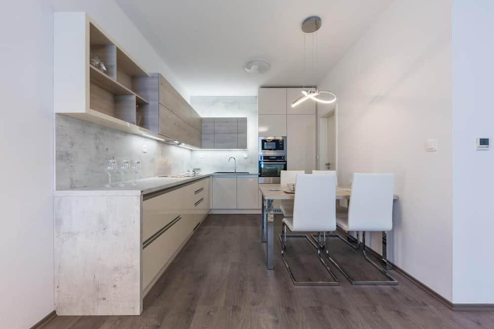尊尚公寓, 1 張特大雙人床 - 客房內用餐