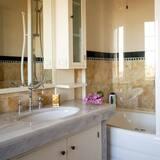 Chambre Double Supérieure, 1 grand lit, salle de bains attenante, vue montagne - Salle de bain