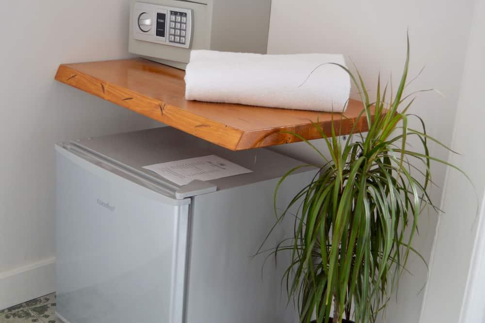 Camera Junior, balcone - Mini frigorifero