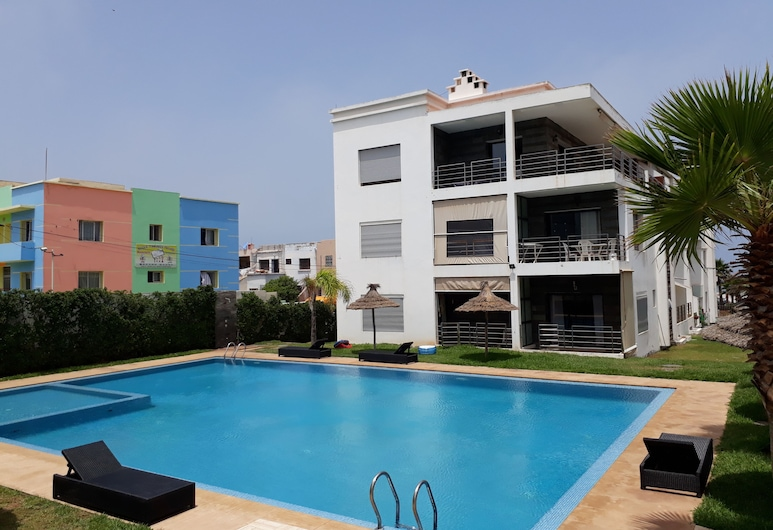 Charmantes Meerblick-apartment mit Pool in Dar Bouazza, Dar Bouazza, Pool