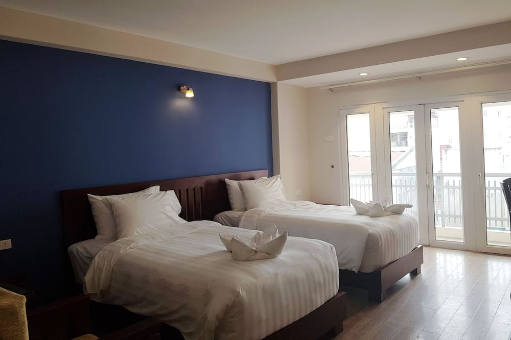Premium Suite, 2 Twin Beds, Balcony - City View