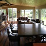 Cottage, Multiple Bedrooms, Kitchen - In-Room Dining