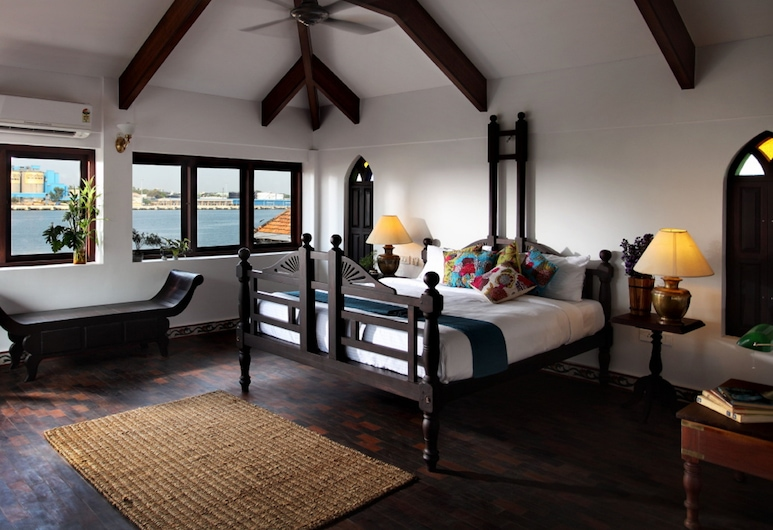 Waterfront Granary A Museum Hotel, Kochi, Presidential Suite, 1 King Bed, Accessible, Smoking, Guest Room