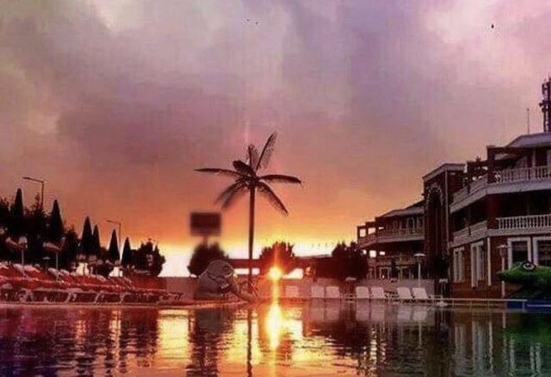 Karasu Aqua Park Otel, Карасу, Відкритий басейн