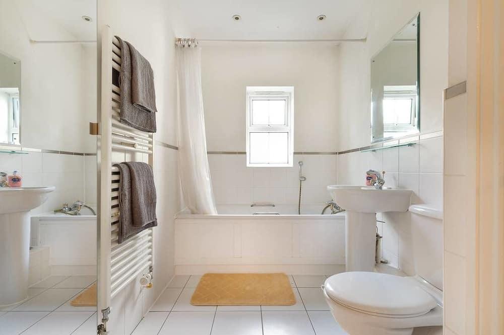 Apartemen - Shower Kamar Mandi