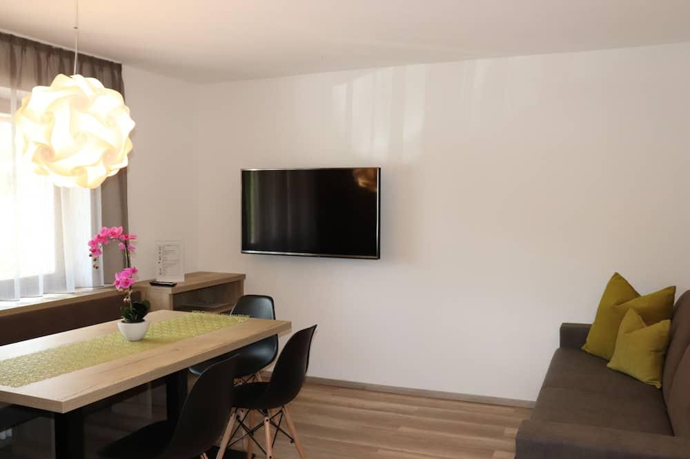 شقة - غرفتا نوم (Ground Floor) - غرفة معيشة