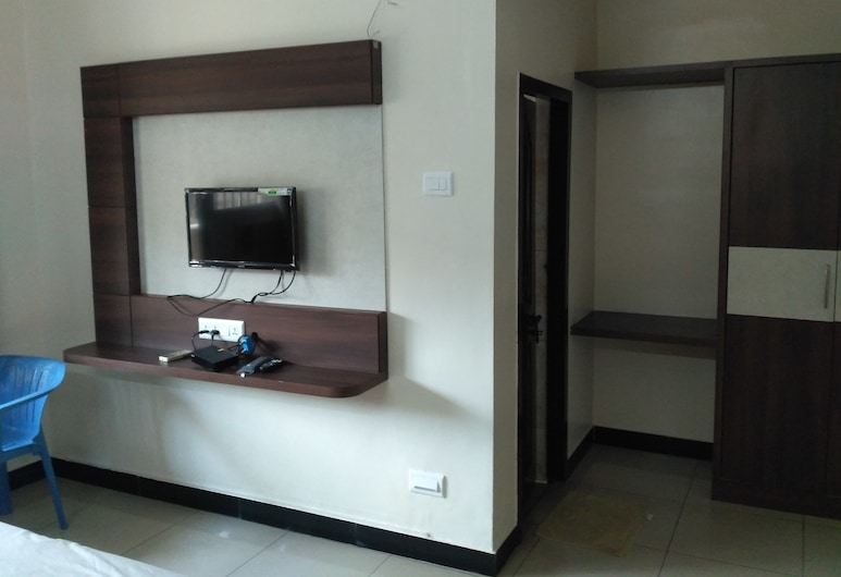 Hotel Sakthi Priya, Chennai, Deluxe Room, 1 Double Bed, Non Smoking, Guest Room