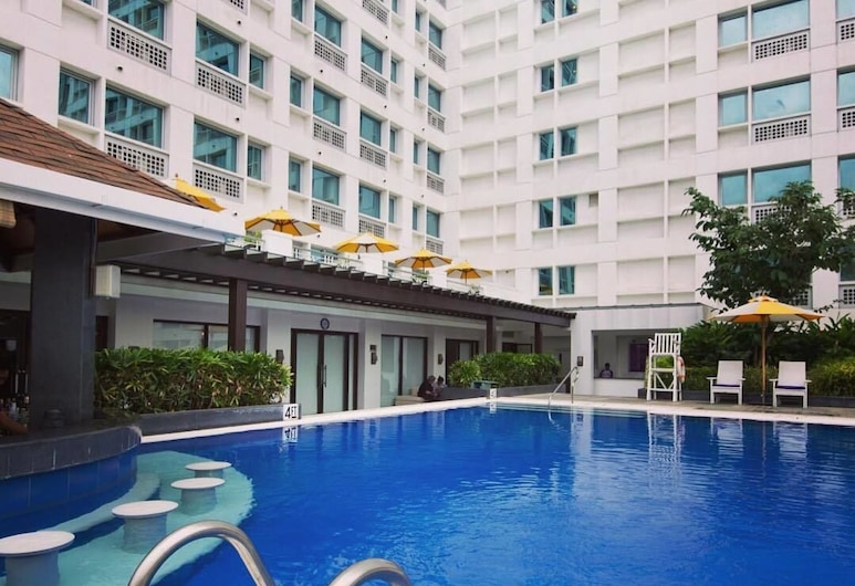Quest Serviced Residences, Cebu, Outdoor Pool