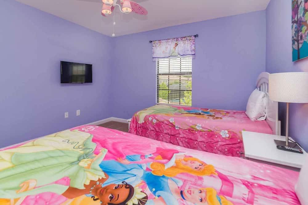 Willa rodzinna, wiele sypialni, przy ogrodzie - Pokój dla dzieci