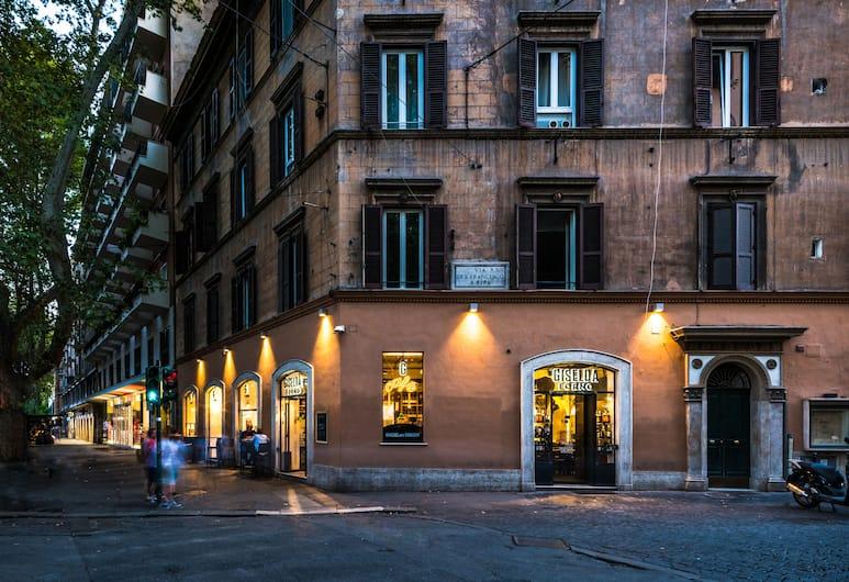 Giselda Home, Roma, Facciata hotel (sera/notte)