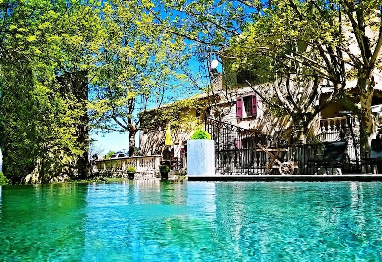 Le Mas des 5 Fontaines. Chambres d'hôtes, Sisteron, Bazén