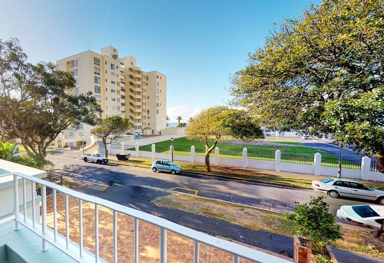 Houghton Place Sea Point, Cape Town, Classic Apartment, 2 Bedrooms, Non Smoking, Balcony
