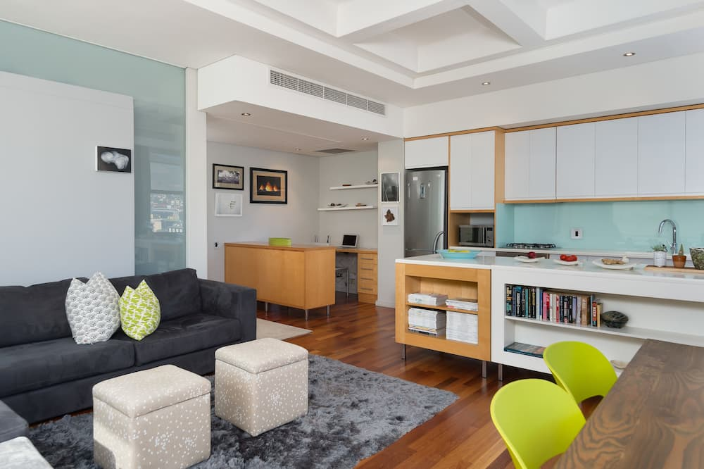シティ アパートメント クイーンベッド 1 台 - リビング エリア