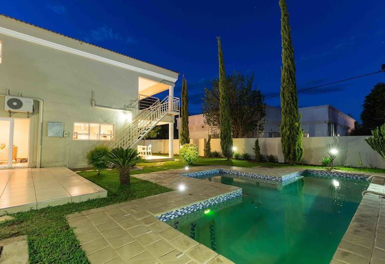The Studio Guest House, Gaborone, Piscine en plein air