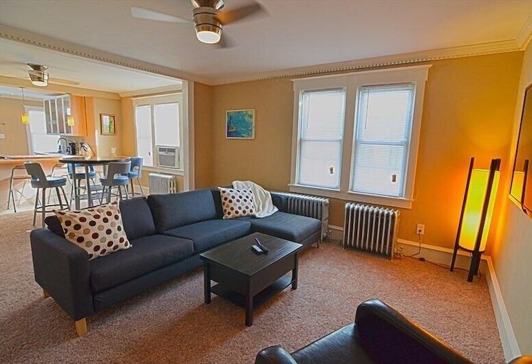 Fabulous Downtown Asbury Apartment 2 Bedroom Condo, Оушн-Сіті