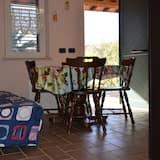 Standard Apartment, 2 Bedrooms, Garden View - In-Room Dining