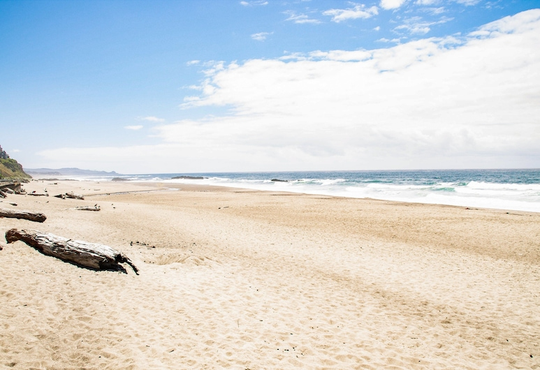 씨 더 선셋 - 전용 온수 욕조 & 바다 전망, 침실 4개 주택, 링컨 시티, 하우스, 침실 4개, 해변