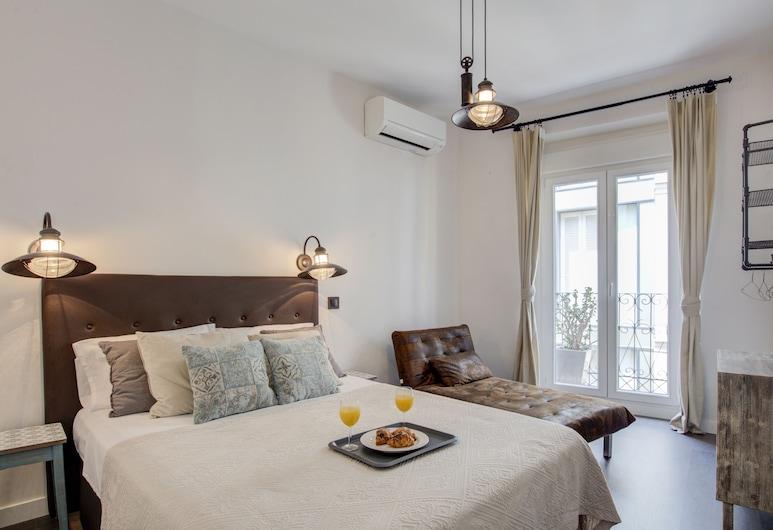 City Centre Apartment - 3BD - 2BT - WIFI, Madrid
