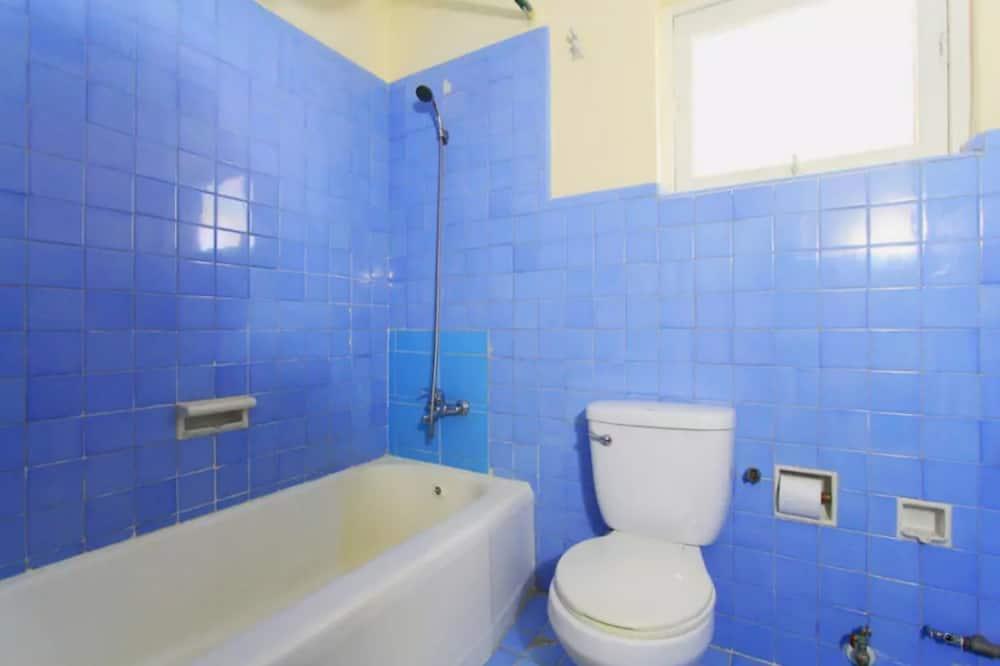 Apartment, 2 Bedrooms, Non Smoking - Bathroom