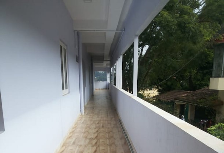 Praba rooms and cottages, Ooty, Lobby