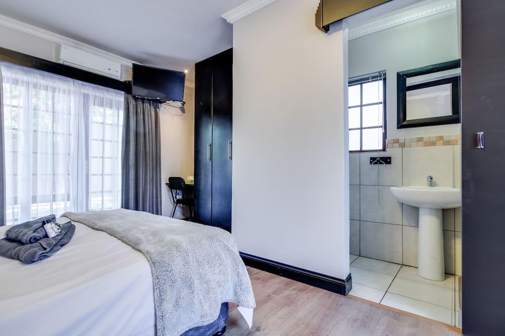 חדר סטנדרט זוגי, מיטה זוגית - חדר אורחים