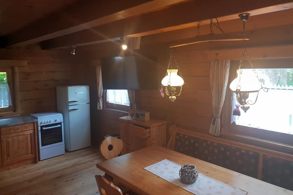 Paaugstināta komforta kotedža - Numura ēdamzona