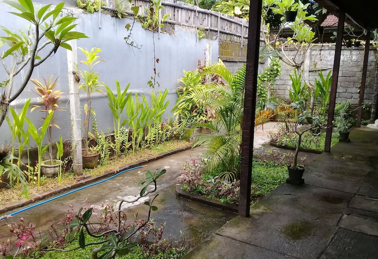 Da Valentino homestay, Denpasar, Halaman